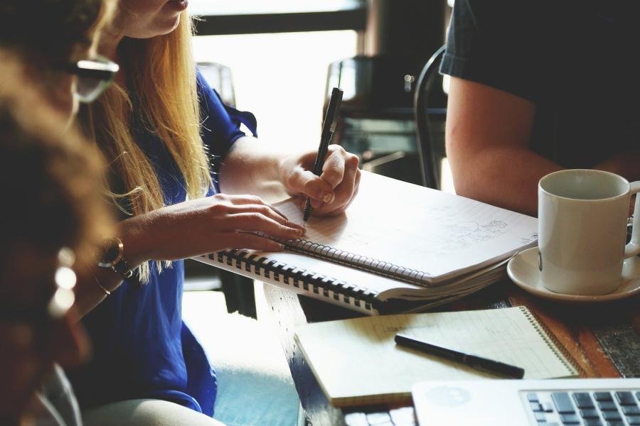Comment aider un salarié en difficulté au travail